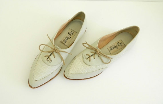 Vintage Oxfords Womens Shoes Bone White Leather Size 6.5