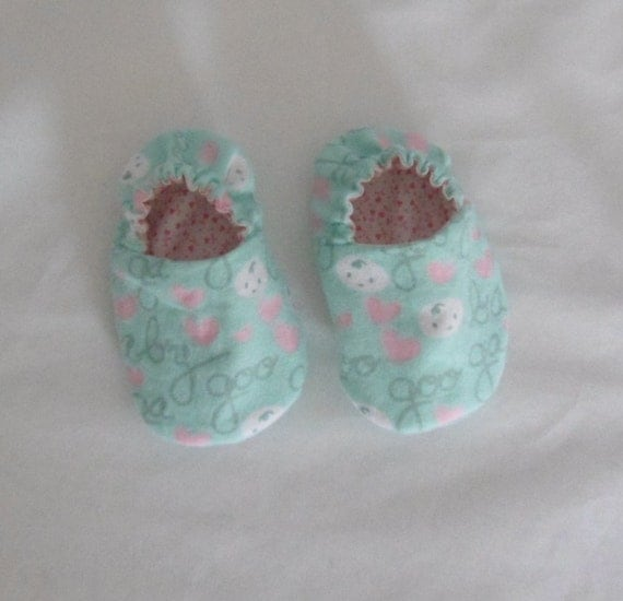 Baby Slippers, Baby Booties, Cotton and Flannel, Reversible