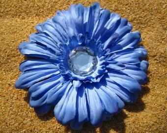 Cornflower Blue Daisy hair clip