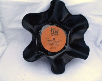 Record Bowls that are great for any party or home decorations Retro Modern Art Decor Geekery Knitting  Wedding Centerpiece  Holder