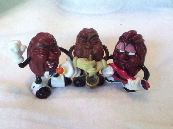 Vintage California Raisins musical trio Retro 1980s Display Toys Converse Shoes Band Elvis Toy Figurine Geekery Sax  Guitar Collection