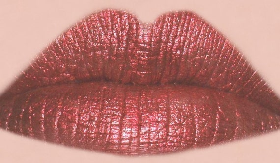 HEAT Moisturizing Lipstick - Gorgeous Red Color - All Natural