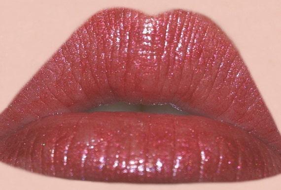 Queen Moisturizing Lip Glaze - Gorgeous Red Lip Gloss - Vegan Friendly