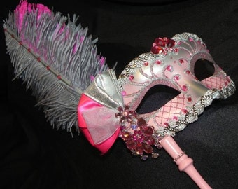 Shades of Pink Venetian Feather Mask