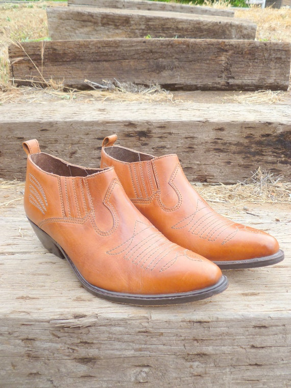 RESERVED - Vintage brown leather western shoes
