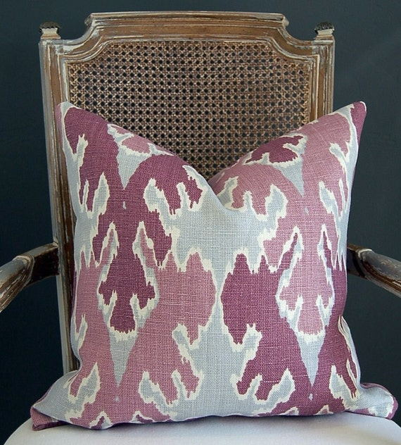 Kelly Wearstler Bengal Bazaar in Magenta 20 inches - Pattern on both sides