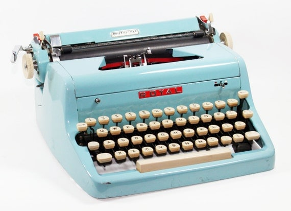 Royal Quiet DeLuxe Manual Turquoise Typewriter with Case