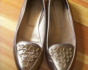 SALE Vintage Joan and David Bronze Leather Flats Ladies Shoes Size 8 Gold Stitches Made in Italy