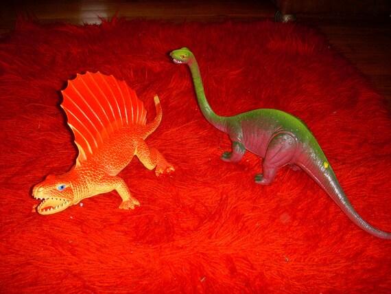 Vintage Pair of Dor Mei Plastic Dinosaurs 1980s Toys Brontosaurus Edaphosaurus Made in Hong Kong