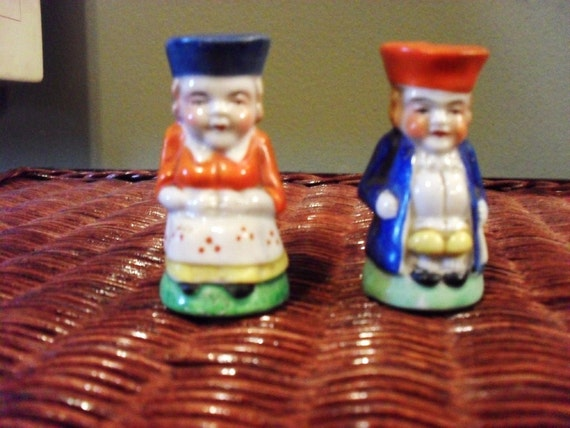 Antique Colonial People Salt and Pepper Shakers