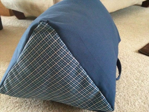 Triangle Wedge Pillow Support For Your Legs And Back