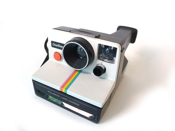 Vintage Polaroid camera - 1970s polaroid land camera