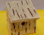 Miniature Dolls house Bird House nesting box 1/12 scale silver birch