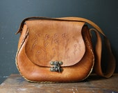 Tooled Leather Purse / Vintage 60s Boho Purse