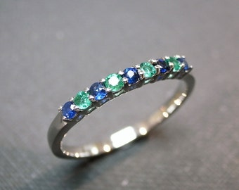 Blue Sapphire and Emerald Wedding Ring in 14 White Gold, Emerald Ring, Emerald Jewelry, Blue sapphire Ring, Engagement Ring, Wedding Band