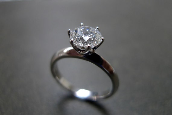 1.00ct Solitaire Diamond Engagement Ring in 18K White Gold