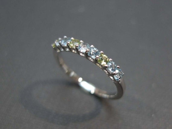 Blue topaz and Peridot Gemstone Ring in 14 White Gold