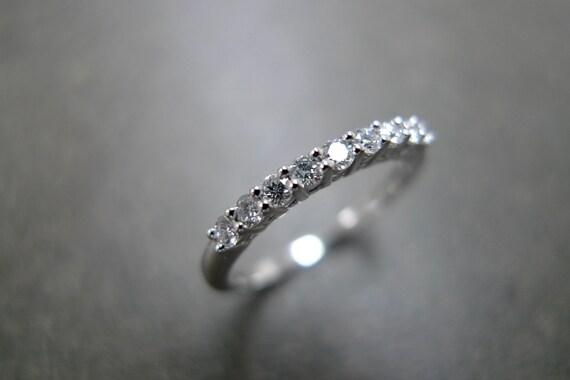Wedding Ring with Diamond in Platinum