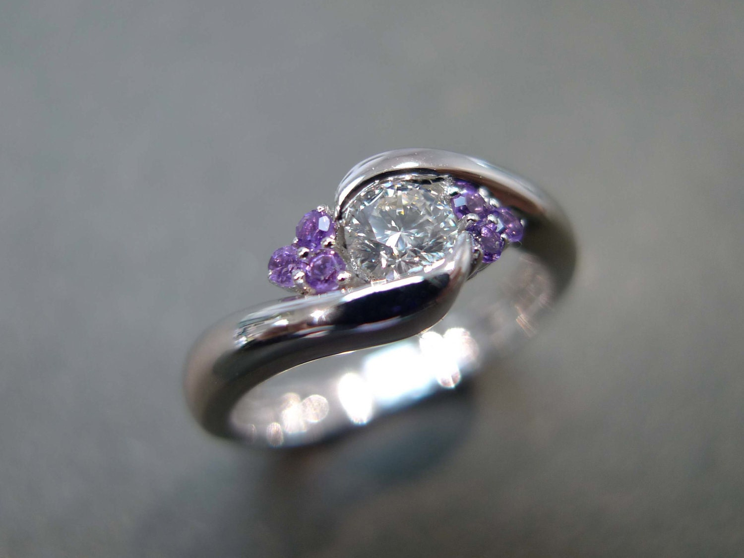 zoom - Amethyst Wedding Rings