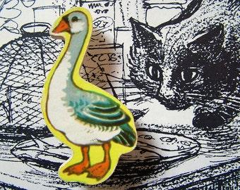 very vintage wooden brooch -- goose