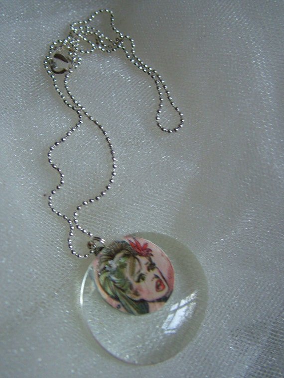 very vintage necklace