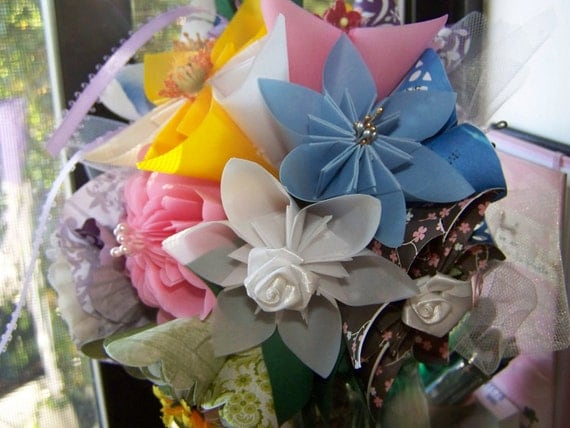 Origami Wedding Bouquet of Twelve Kusudama Paper Flowers