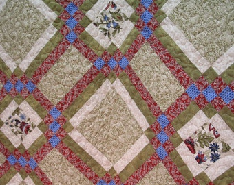 Green and Cranberry Classic Full Bed Quilt Use Code 30PercentOffSale to reduce listed price by 30%!