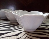 Set of 3. Stacking Vintage dessert Lotus Bowls. White ceramic. Small in size... Just darling.