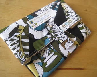 BIGGER, FRESHER Sneaks Reusable Eco Friendly Sandwich Wrap by SewEco// Triple layered/INSULATED option/