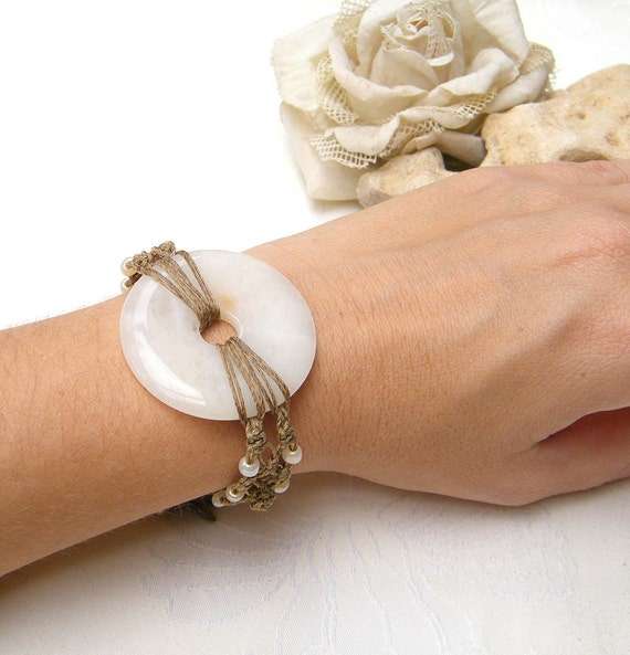 Wedding Bracelet, Wedding Macrame  Bracelet, Bridal accessory, Romantic Bracelet, Statement Bracelet, Bridal Jewelry for an unusual  Wedding