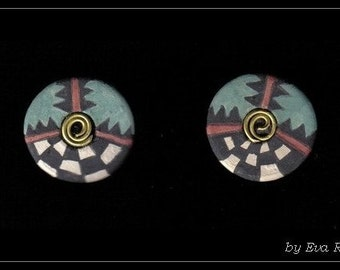 Ancient Peruvian style ceramic ear stud with hand painted incan motifs
