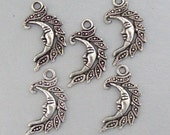 5 Tibet Silver Moon Charms 1202