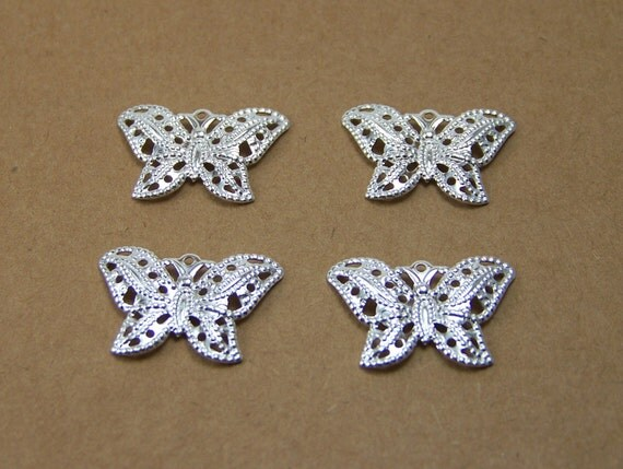 butterfly charm, silver plated brass, 21x15mm 4 charms (323D)