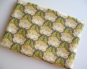 13 inch Laptop Sleeve, Padded Laptop Sleeve, Laptop cover, Laptop case - Lotus Pond in Ivory