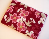 15 inch Laptop Sleeve, Padded Laptop Sleeve, Laptop cover, Laptop case fits MacBook Pro - Dogwood in Berry