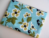 15 inch Laptop Sleeve, Padded Laptop Sleeve, Laptop cover, Laptop case fits MacBook Pro - Dogwood bloom in Pond