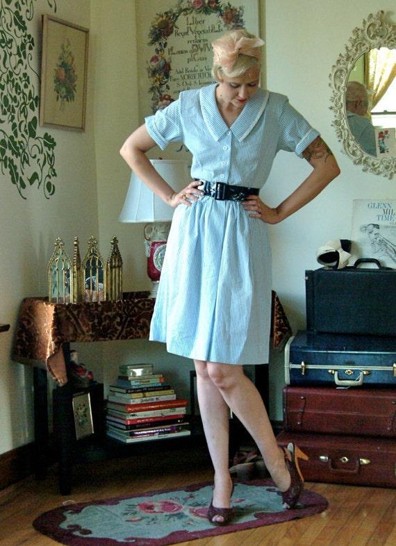 1980s Day Dress // Seersucker Blue & White Sailor // Vintage Dress // S-M