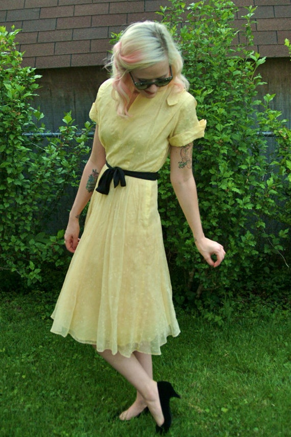 1950s Dress // Yellow Flocked Day Dress // Vintage 1950s // Xs-S
