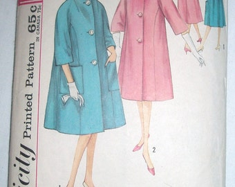 Vintage 60s Simplicity pattern 4260 for fashionable coat Jackie O style Sz 14