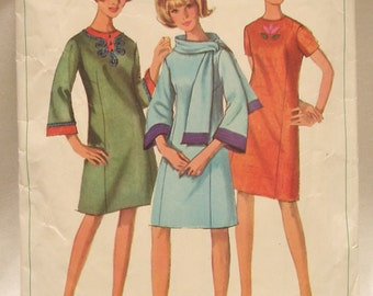 Vintage 60's Mod Simplicity Pattern 6677 dress and scarf with applique Sz 16