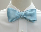 Men's bow tie in turquoise seersucker (self-tie)