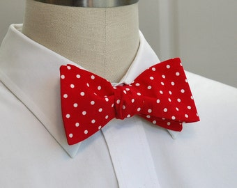 Men's Bow Tie in red with white polka dots (self-tie)