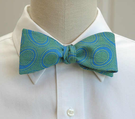 Men's Bow Tie of Dutch blue and lime dotted cotton