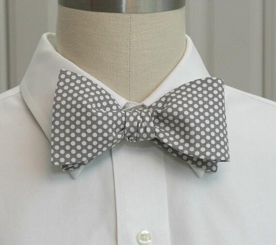 Men's Bow Tie in grey with white mini dots (self-tie)