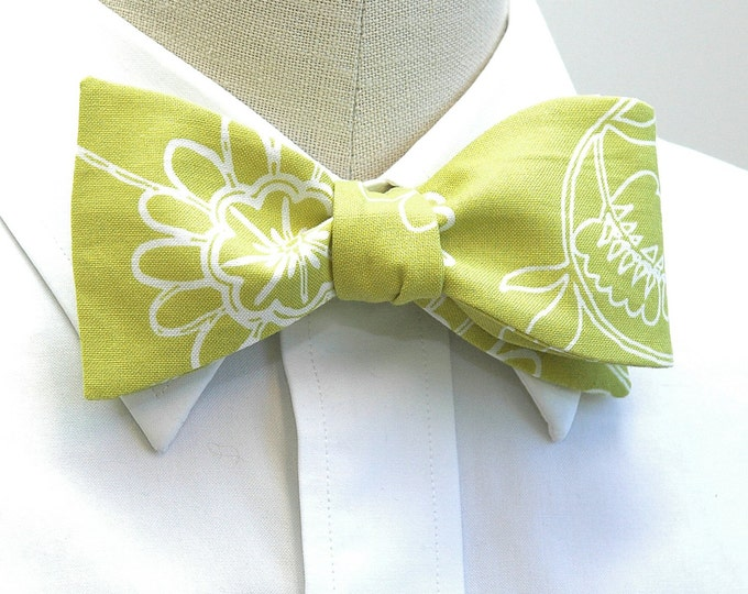 Men's Bow Tie, lime green/white floral motif, wedding bow tie, groom/groomsmen bow tie, citron floral bow tie, spring bow tie, prom bow tie