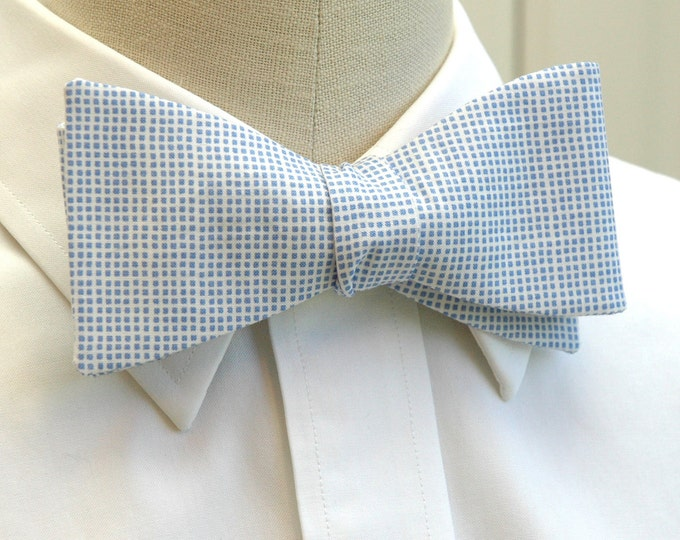 Men's Bow Tie in Carolina Blue tiny plaid, tar heel bow tie, pale blue bow tie, wedding party bow tie, groom bow tie, subtle blue bow tie
