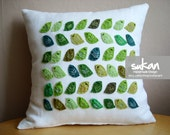 Sukan / Love Greens Birds, White Linen Pillow Cover - 14x14 inch