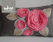 Sukan / Pink Flowers Pillow Cover - 12x20 inch