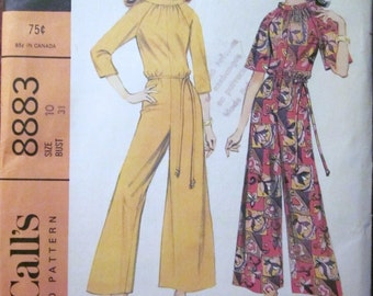 60s McCalls 8883 Mod Pantdress Jumpsuit with Bell Sleeves Standing Collar Size 10 Bust 31