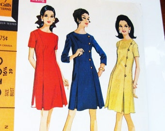 60s McCalls 9163 Dress in 5 Sections with Inverted Pleats and Sleeves Size 16.5 Bust 39